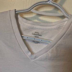 Calvin Klein Men's V-neck t-shirt